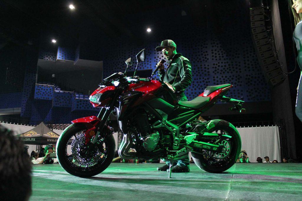 Lanzamientos expo moto 2017 Kawasaki Z900