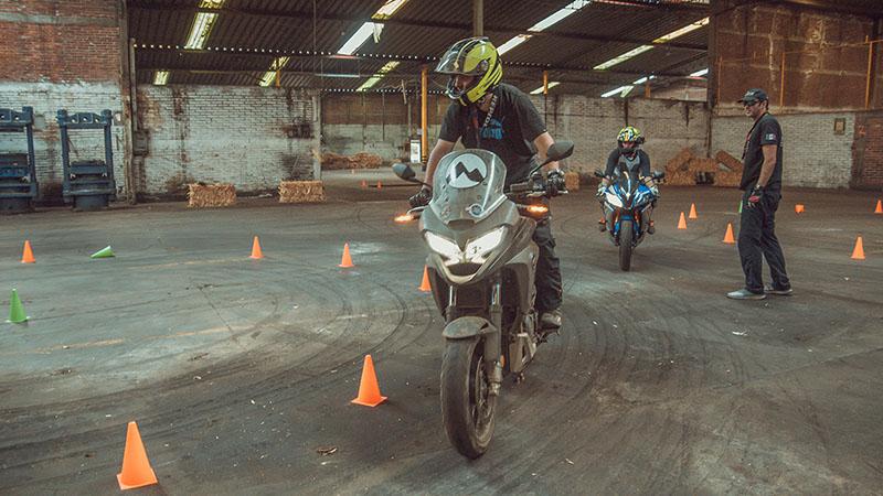 academia de motociclismo moto explore mexico curso urban